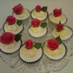 red rose cupcakes