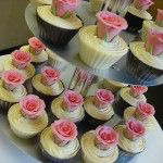 cupcakes with pink roses