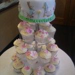 peter rabbit cake with cupcakes