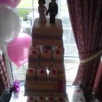 individual sqaure mini wedding cakes