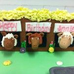 horses stable cake