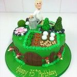 gardening cake with fence and chicken