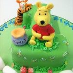 winnie and tigger number one cake