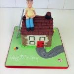 house cake with builder
