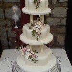 3 tier petal with pillars