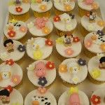 farm-wedding-cupcakes