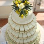 parcel-cake-with-flowers