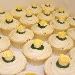 yellow-rose-cupcakes