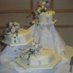 hexagon cake on offset stand