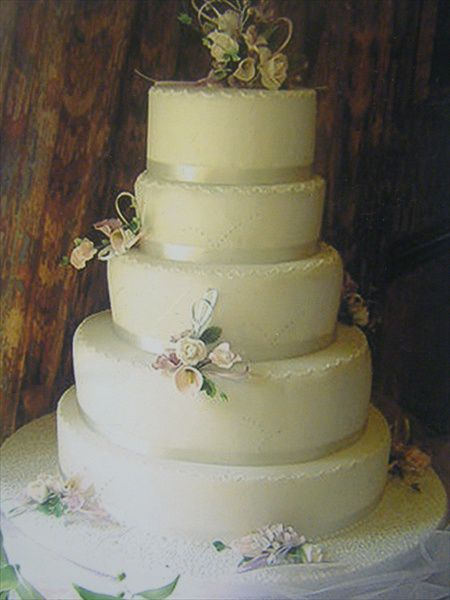 Classic Designs Cakes For Celebrations
