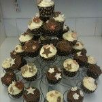 brown and cream cupcakes, with brown spotty cases