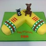boomerang cake with kangeroo and koala bear