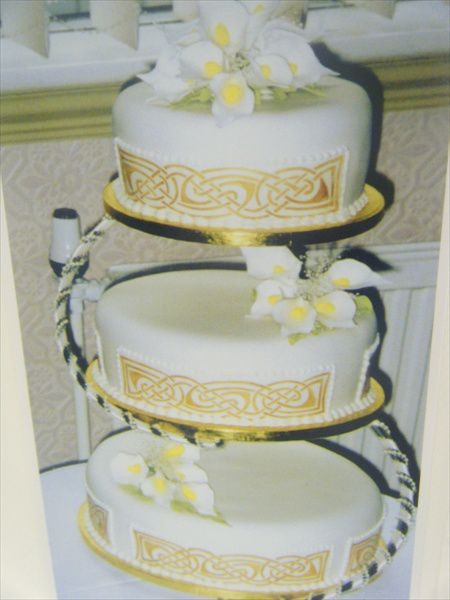 celtic wedding cake toppers uk classic designs cakes for celebrations 12477